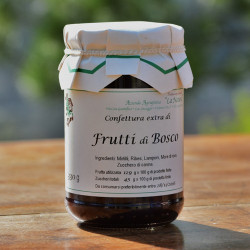 "Mixed Berries Jam with brown sugar - 330 gr. Azienda Agriapistica Biologica ""La Natura"""