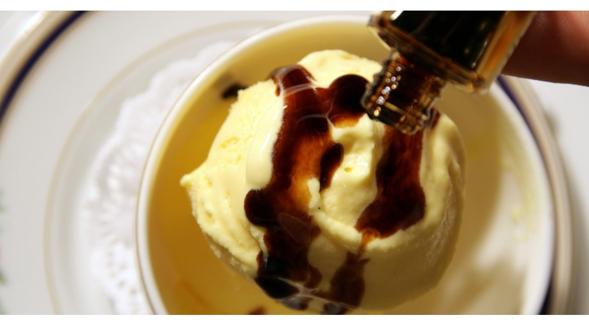 Ice Cream with Balsamic Dressing Otto VII